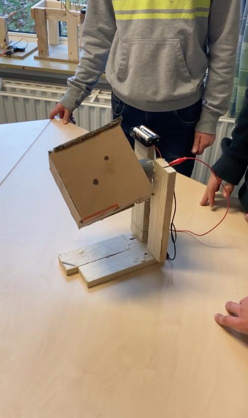 Draaiende geluidsmachine Pieter Brueghelschool Arnhem